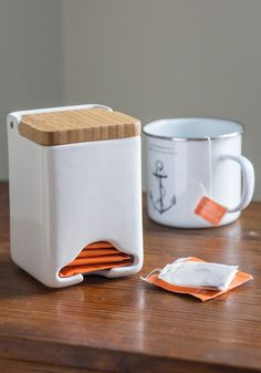 Tea bag dispenser // China and wood