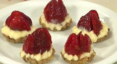 Pão a Mesa » Tortinhas de Morango - http://www.cheftv.com.br/receitas/tortinhas-de-morango#
