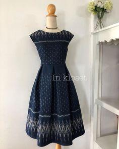 Batik Dress, Silk Dress, Cute Dresses, Girls Dresses, Formal Dresses, African Fashion Dresses, Fashion Outfits, Ikkat Dresses, Thai Fashion