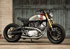 Classified Moto XV920R.