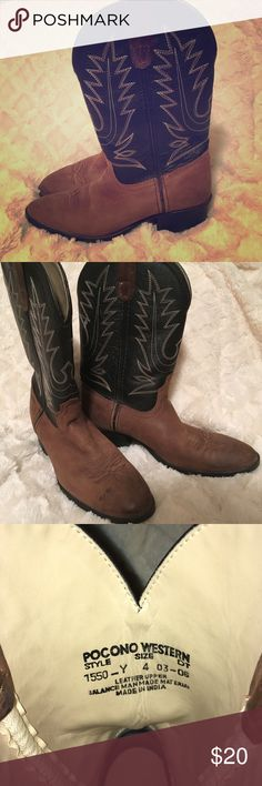 Kids Pocono Western Boots Work once for Rodeo Day.  Very clean.  Leather upper. Unisex   Smoke-free🚭Cat-friendly🐈  Make me an offer. Same day shipping! I offer great bundle discounts 🤗 Pocono Shoes Boots