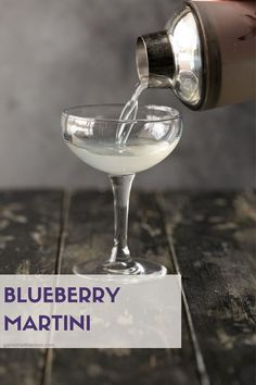 Tired of the same old cocktails? Try a Blueberry Martini made with blueberry vodka, elderflower liqueur & fresh lime juice. It's liquid gold in a glass. Best Vodka Drinks, Vodka Cocktails, Alcoholic Drinks, Drinks Alcohol, Elderflower Martini, Vodka Martini, Blueberry Martini, Martini Recipes, Fruit Drinks