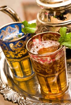 We love this presentation of Moroccan mint tea w/added silver antique accents
