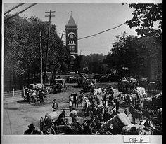 Photograph of Cotton Time on the Square, Marietta, Cobb County, Georgia, 1905 Vanishing Georgia collection, Georgia Archives