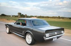 Nice Cars Dreams Ford Mustangs 29 Ideas For 2019 1967 Mustang, Ford Mustang Coupe, Mustang Cars, Ford Mustangs, Restomod Mustang, Classic Mustang, Ford Classic Cars, Best Cars For Teens, Classic Cars