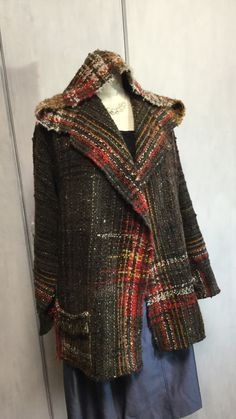 Textiles, Loom Weaving, Hand Weaving, Weave Styles, Weaving Projects, Weaving Patterns, Fashion Sewing, Fabric Design, Teen Hairstyles