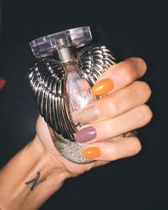 #nails #autumn #colors #nailstagram #fragrance #orange #victoriassecret #halloween #halloweennails #love #pictureoftheday #new #lifestyle #marseille #instagram #instalike #instanails #like4like #followme @chrischris4082