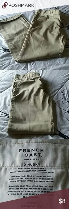 Boys khakis Very nice condition no tears no rips no holes no dirt no spots they're 40% cotton 60% algodon 40% polyester these are a size 10 husky but they fit like a regular they've been warned to time but like I said they're very clean and he wore them teal Puerto Rico and back Bottoms Casual