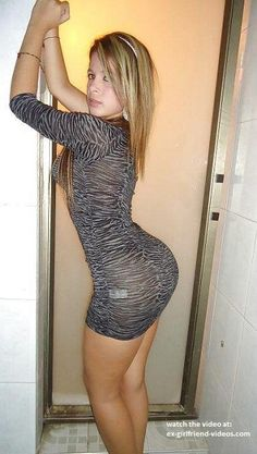 Sexy babe in tight dress (NSFW)