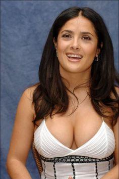 Salma Hayek Style, Salma Hayek Body, Beautiful Celebrities, Beautiful Actresses, Gorgeous Women, Salma Hayek Bikini, Salma Hayek Young, Salma Hayek Pictures, Cleavage Hot