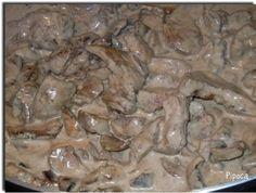 A la maison, Baptiste n'aime pas trop les rognons, sauf si je les prépre à la crème et aux champignons. Voici la recette que je prépare régulièrement . Il faut : 2 rognons de veau 500 g de champignons de Paris frais 2 petits morceaux de beurre 2 càs de...