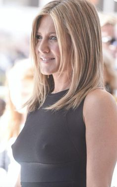Long-Bob-on-Jennifer-Aniston - Peinados y pelo 2017 para hombre y mujeres Jennifer Aniston Long Bob, Jennifer Aniston Style, Jennifer Aniston Fotos, Jennifer Aniston Pictures, Long Bob Haircuts, Bob Hairstyles, Jeniffer Aniston, Langer Bob, Justin Theroux