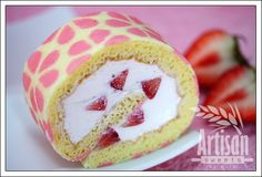 How to: Strawberry Roll Cake