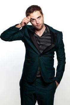 kinopoisk.ru-Robert-Pattinson-2218962.jpg (683×1024)