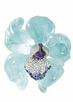 Cartier, aquamarine brooch... soooo lovely!