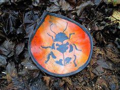 Raku Dolce Schale mit Käfermotiv