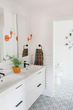 Jessica Honegger's Shared Boy's Bedroom and Bathroom Reveal featuring white stacked Fireclay tile and more! Pool Bad, Pool House Bathroom, Huge Shower, Fireclay Tile, Bathroom Inspiration, Bathroom Ideas, Kid Bathrooms, Bathroom Makeovers, Living Styles
