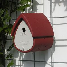 Bird Boxes, Bird Feeders, Outdoor Decor, Red, Home Decor, Montage, Friends Of Animals, Gift Ideas, Nuthatches