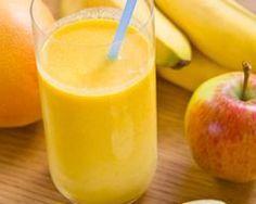 Apple-banana smoothie with yogurt - Ingredients of the recipe: 1 banana, 1 apple . - Apple-banana smoothie with yogurt – Recipe ingredients: 1 banana, 1 apple, 1 yogurt app - Banana Yogurt Smoothie, Smoothie Fruit, Raspberry Smoothie, Smoothie Prep, Healthy Smoothies, Smoothie Recipes, Healthy Juices, Smothie Bowl, Just Juice