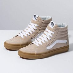 Browse bestselling Shoes at Vans including Men's Classics, Slip-On, Surf, BMX, Pro Skate Shoes and Sandals. Shop at Vans today! Tenis Vans, Vans Sneakers, Vans Sk8, Casual Sneakers, Sneakers Fashion, White Sneakers, High Top Vans, High Tops, Vans Store