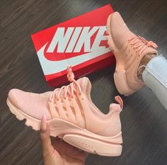 cheap nike shoes for women sneakers Sneakers Mode, Sneakers Fashion, Shoes Sneakers, Shoes Heels, Nike Fashion, Fashion Fashion, Runway Fashion, Sneakers Workout, Orange Sneakers
