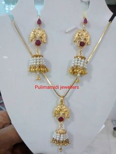 Jewellery Designs: 11 Grams Locket and Hoops Gold Jhumka Earrings, Gold Earrings Designs, Gold Jewellery Design, Necklace Designs, Gold Necklace, Pendant Jewelry, Beaded Jewelry, Ruby Pendant, Pearl Jewelry