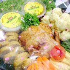 Menerima pesanan Ayam Tanpa Tulang a.k.a Ayam Kodok dan menu lainnya. Info harga/menu/tanya-jawab/lainnya , bisa langsung ke 08129434377 via WA atau SMS . Untuk produk bisa di lihat di www.dapurnera.com fb : Ayam Kodok Jakarta Line : dapurnera2 IG : Dapur Nera 😊