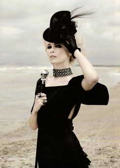 Claudia Schiffer in Black by Karl Lagerfeld #Gothic