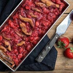 🍴Skládaný jahodový chléb recept – rychle, zdravě a jednoduše 🍴 Jimezdrave.cz Med, Sausage, Sausages, Chinese Sausage