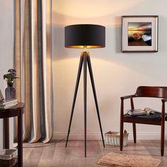 Sort-gylden standerlampe Benik i trebenet look-9621285-03