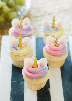 Cupcakes Unicornio Baby Shower 59 New Ideas Pastel Cupcakes, Mini Cupcakes, Unicorn Birthday Parties, Unicorn Party, Girl Birthday Cupcakes, Birthday Ideas, Unicorn Foods, Unicorn Baby Shower, Unicorn Cupcakes