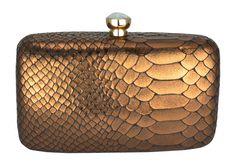 Bolsa Clutch Marrom Bronze. Bolsa de mão pequena com textura inspirada em escama de peixe.