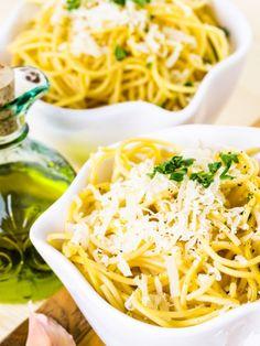 Käse und Pfeffer - mehr braucht es nicht, um den Pasta-Klassiker Spaghetti Cacio e Pepe zu zaubern. ZUM ORIGINAL-REZEPT >>>