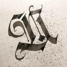 Fotobeskrivning saknas. Calligraphy Fonts Alphabet, Calligraphy Letters, Caligraphy, Lettering Styles, Lettering Design, Hand Lettering, Graffiti Lettering, Typography, Tattoo Alphabet