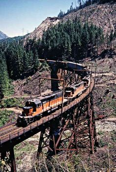Milwaukee Road (West) by John F. Bjorklund – Center for Railroad Photography & Art Railroad Pictures, Milwaukee Road, Railroad Photography, Old Trains, Train Pictures, Train Tracks, Train Car, Model Trains, Locomotive