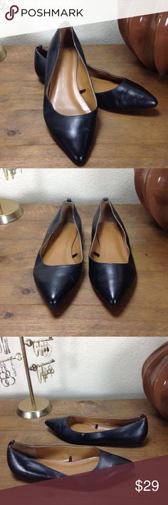 Gap Black Leather Pointed Ballet Flats Pointed black leather ballet flats with rear pull tabs. In excellent condition with no visible scratches or marks. Thanks for your interest!  Please checkout the rest of my closet. GAP Shoes Flats & Loafers