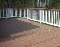 deck railing, wood stain horizontal, white paint vertical