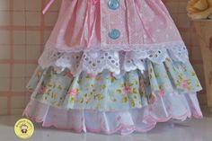 Olá pessoas!   Atendendo a pedidos, o PAP do vestido da boneca russa que falei pra vocês outro dia.   A boneca é essa! Hoje eu vou m...