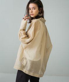 シアーオーバーシャツ(FREE ベージュ): WOMEN|PUBLIC TOKYO ONLINE STORE I Love Fashion, Daily Fashion, Girl Fashion, Fashion Outfits, Womens Fashion, Japan Fashion, People Photography, Girl Poses, Minimalist Fashion