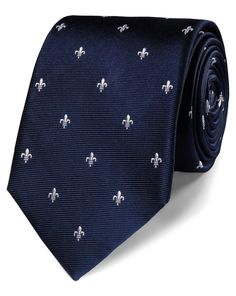 A tie collection isn't complete with at least one Fleur-de-Lys design. This one is a sure-fire, can't-go-wrong classic. silk, 8 cm blade width, Hand finished, Dry clean only - Navy silk fleur-de-lys classic tie Black Suit Shoes, Black Suit Jacket, Gentlemans Club, Sweater Shop, Shirt Shop, Shirt Collar Styles, Make A Tie, Der Gentleman, Classy Suits