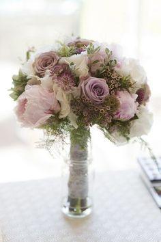 40 + Mauve Wedding Color Ideas for 2020 Mauve Wedding, White Wedding Flowers, Bridal Flowers, Flower Bouquet Wedding, Floral Wedding, Wedding Dress, 1940s Wedding Theme, Wedding Themes, Wedding Colors