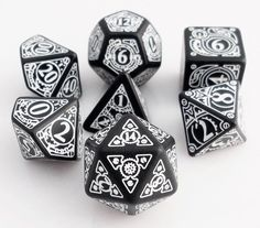 Journey to a place out of time with Steampunk Dice (Black). This amazing set of RPG dice is the perfect choice for your favorite fantasy or sci-fi role playing game. Each die is intricately carved wit