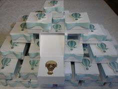 Lembrancinhas maternidade marcadores de páginas - tema balãozinho produzidas por Mônica Guedes