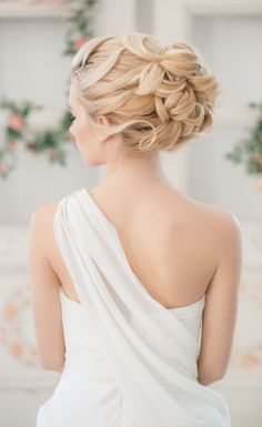 Elstile bloned wedding updo hairstyle - Deer Pearl Flowers / http://www.deerpearlflowers.com/wedding-hairstyle-inspiration/elstile-bloned-wedding-updo-hairstyle/