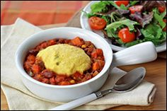 Low-Calorie, Low-Fat Chili Recipes, Crock Pot Chili Recipes | Hungry Girl      Cornbread-Topped Dan-Good Chili   1/8th of recipe (about 3/4 cup chili and 1 piece cornbread): 198 calories, 1.5g fat, 963mg sodium, 41g carbs, 5.5g fiber, 13.5g sugars, 6.5g protein -- PointsPlus® value 5*