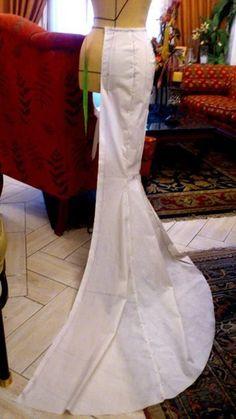48 ideas skirt pattern sewing mermaid for 2019 Wedding Dress Patterns, Dress Sewing Patterns, Clothing Patterns, Pattern Sewing, Coat Patterns, Blouse Patterns, Mermaid Dress Pattern, Gown Pattern, Fashion Sewing