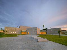 zooco-estudio-centro-de-las-artes-de-verin-arts-center-spain-designboom-03