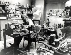 henry moore maquettes | Henry Moore dans son atelier. Henry Moore (1898 - 1986) Images