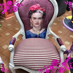 Frida Kahlo / Furniture / Home / Chair Funky Furniture, Furniture Upholstery, Home Decor Furniture, Furniture Makeover, Painted Furniture, Chair Makeover, Chaise Vintage, Vintage Chairs, Frida E Diego