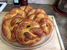 Bread Machine Pretzels: I love pretzels. My mother and father immigrated from Bavaria Germany shortly after WWII. Pretzels were not available in Canada, so my mother made Pretzel Dough, Pretzel Bread, Austrian Recipes, German Recipes, Bavarian Pretzel, Just Bake, Bavaria Germany, Food N, Pretzels